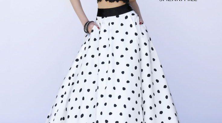 дълга рокля с пола на точки